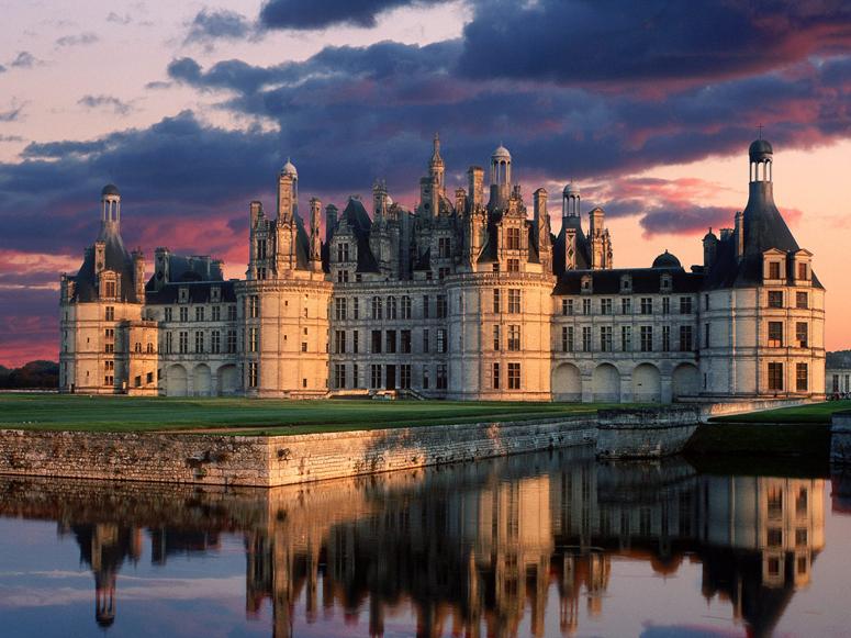 Castillo-Chambord-France-cr